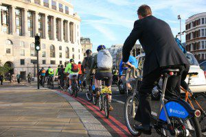 London-cyclists-smart-tech