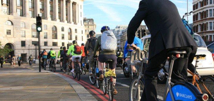 London-cyclists-smart-tech